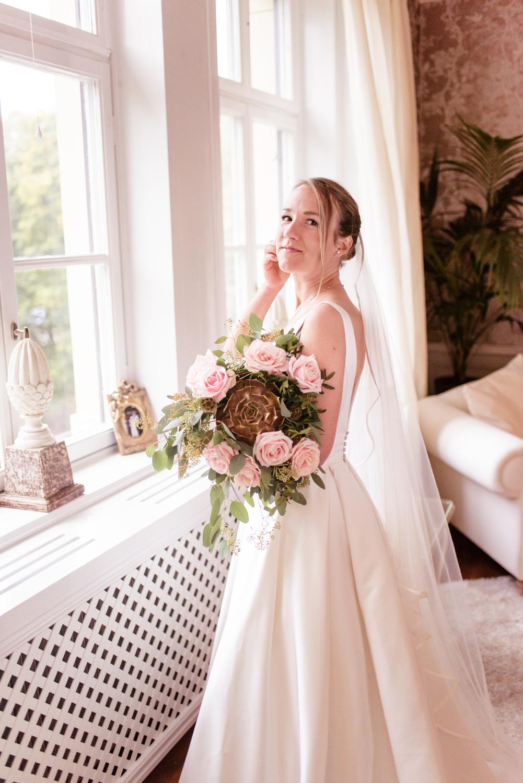 Romantic Fall Wedding at Rånäs Slott