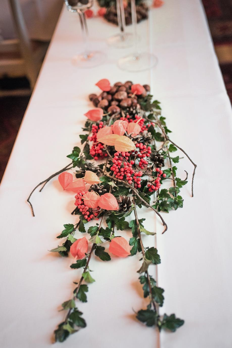 Romantic Fall Wedding at Rånäs Slott Bröllopsfotograf Stockholm Umeå. Wedding photographer