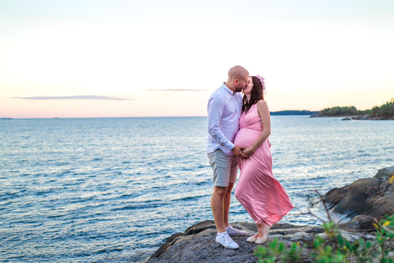 Pregnancy Photo Session. Gravidfotograf Pregnancy Photo by the Ocean